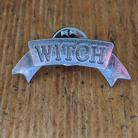 Accessories - Witch Metal Pin Badge NWOT